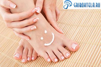 здоровые ноги после лечения грибка между пальцами