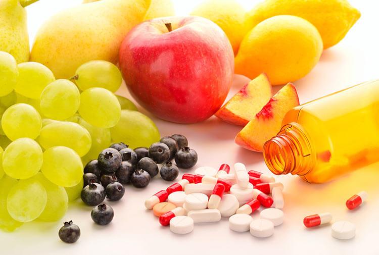 Витамины и фрукты для профилактика кандидоза на языке